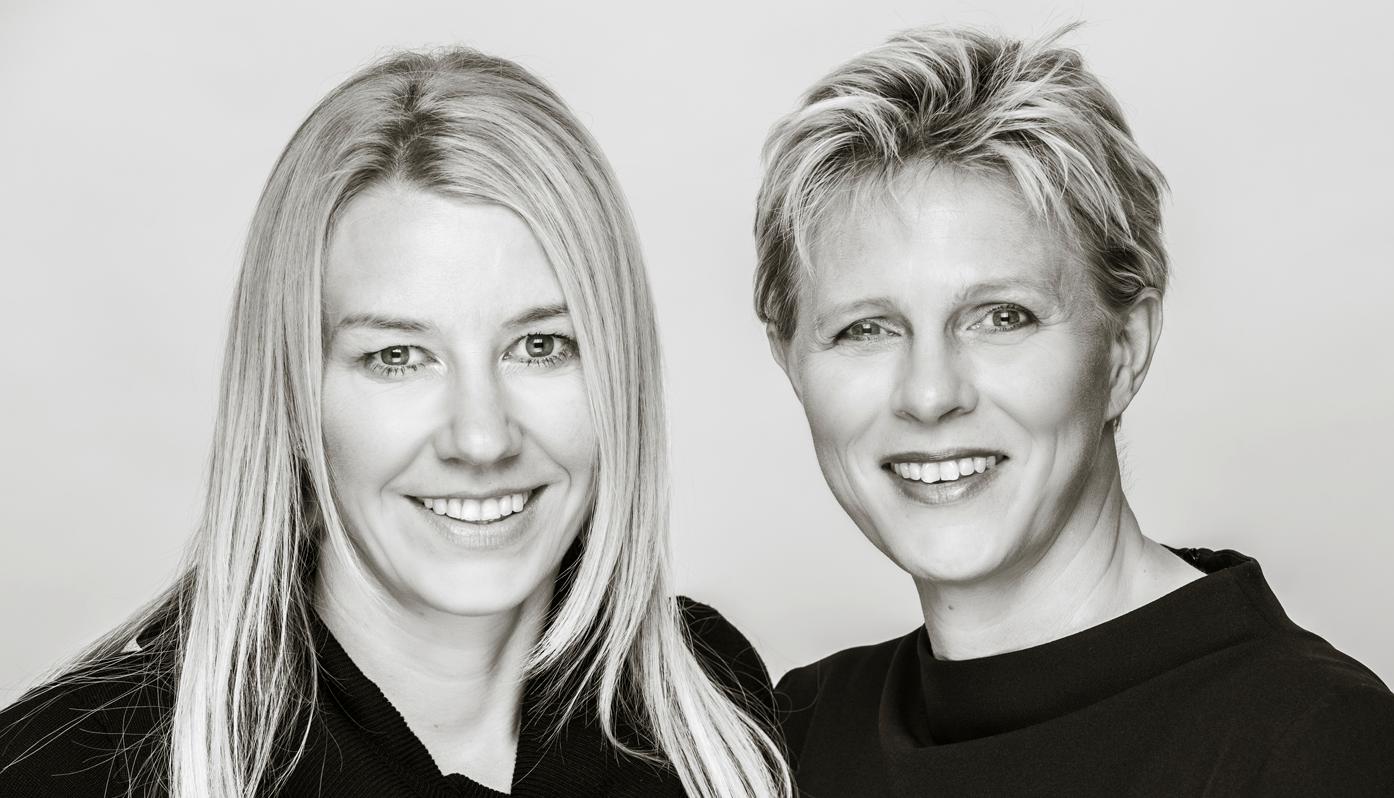 Christiane Bernecker und Judiht Claushues
