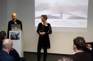 Judith Claushues und Holger Gelhausen zu Beginn des Vortrags